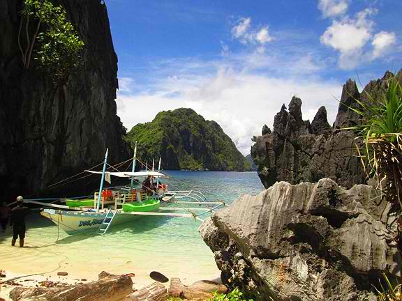 One of El Nido's Stunning Island Beaches